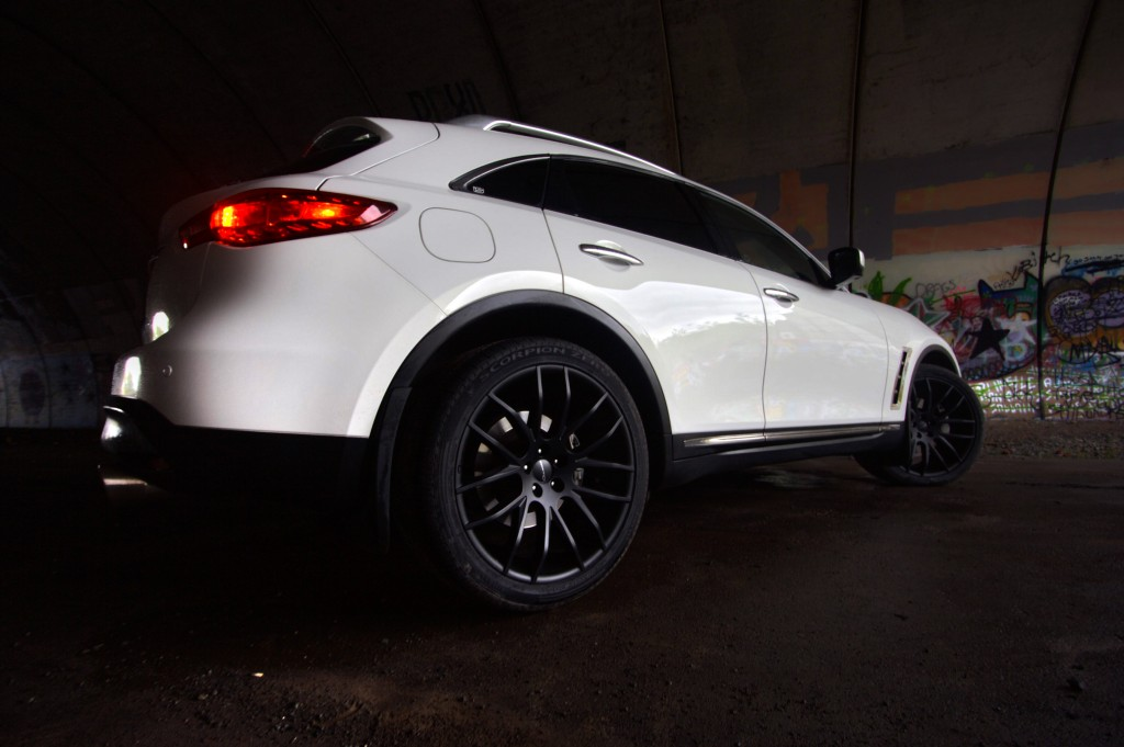 White Infiniti FX50 Black Luxury Wheels