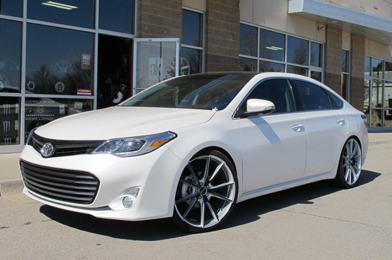 TOYOTA AVALON – GIANELLE DAVALU – Giovanna Luxury Wheels